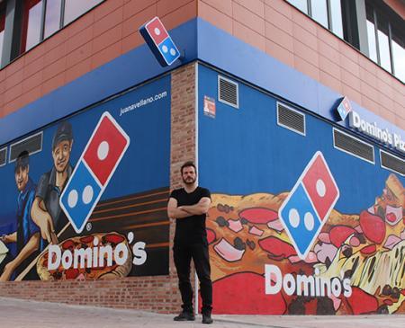 Domino's Pizza abre en Valderrebollo (Vallecas) y dona toda la recaudación del primer día a la Asociación Cultural La Kalle