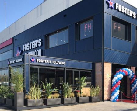 Foster's Hollywood inaugura su segundo restaurante en Badajoz