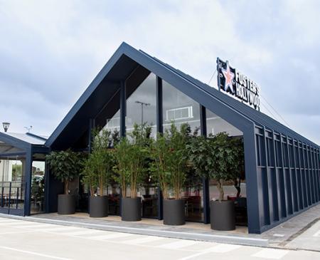 Foster´s Hollywood llega a Gines con su nuevo diseño de restaurante
