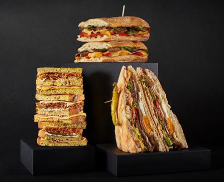 VIPS pone sobre la mesa tres nuevos y generosos sándwiches para inaugurar el otoño con un merecido homenaje